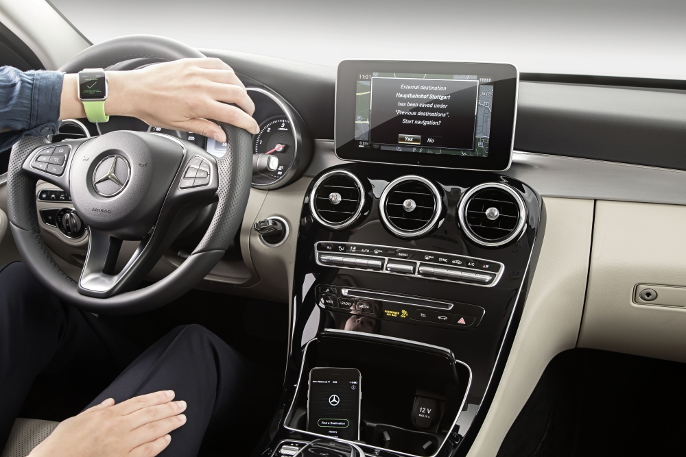 Daimler and Qualcomm Team for In-car Wireless Mobile Charging
