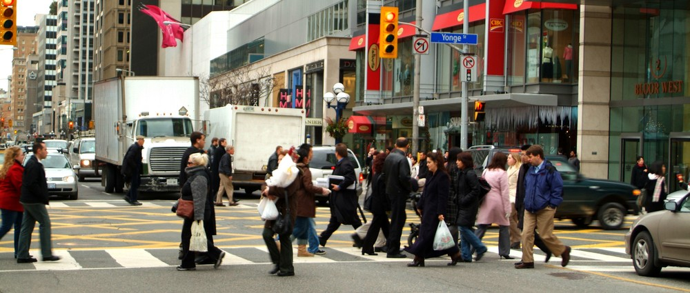 Crowd-of-people-crossing-road-shopping.jpg
