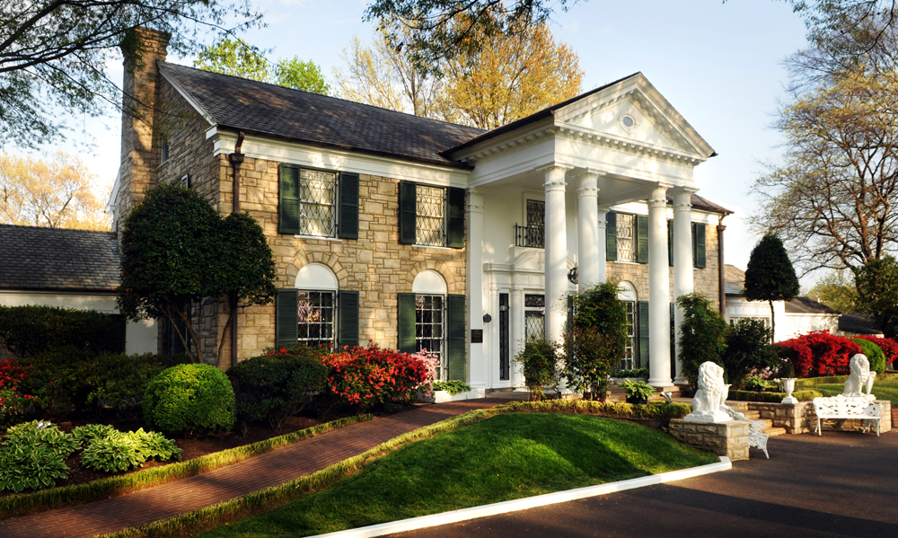 Graceland Introduces Beacon-Enabled iPad Tour