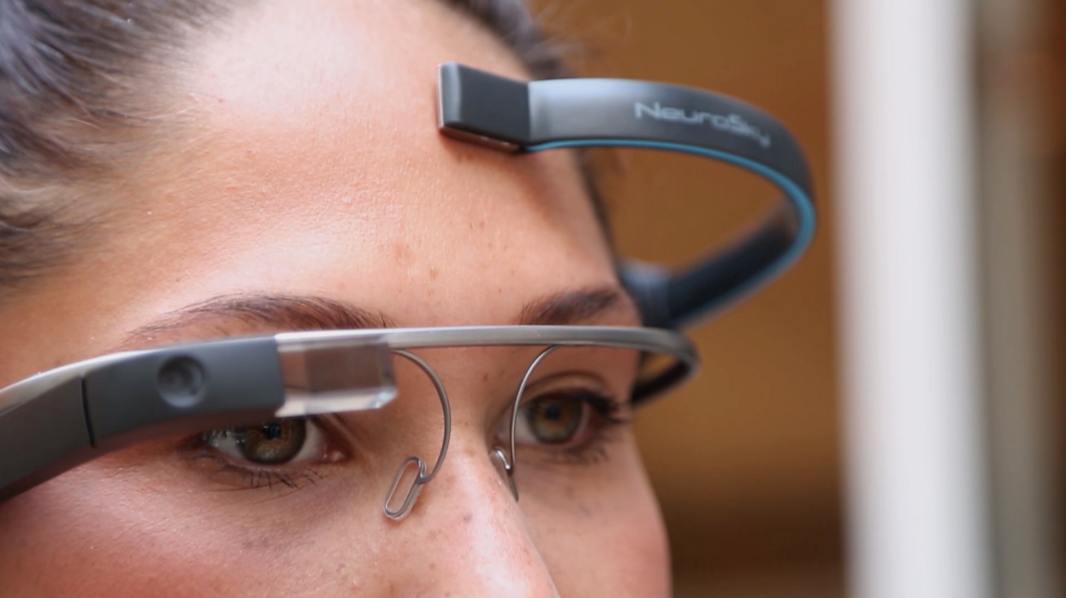 MindRDR App Enables Google Glass Control with Brainwaves