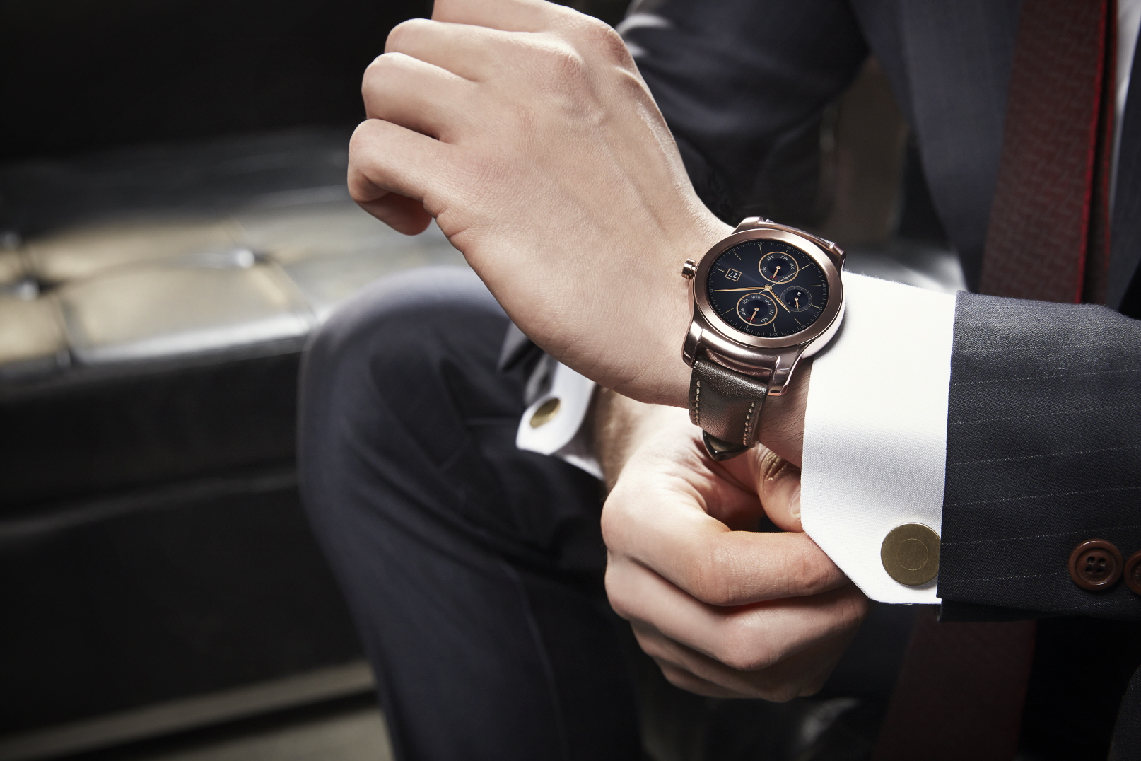 LG Reveals All-metal Smartwatch as Apple Watch Rival