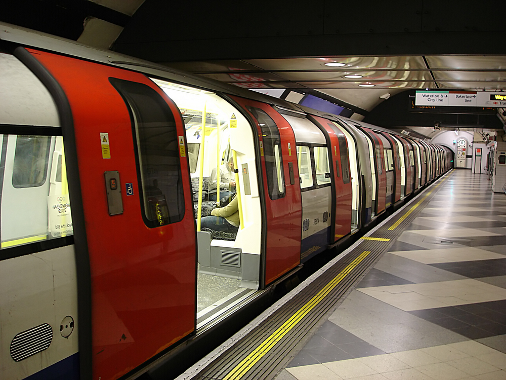 TfL to Trial Smartphone NFC Payments on Tube