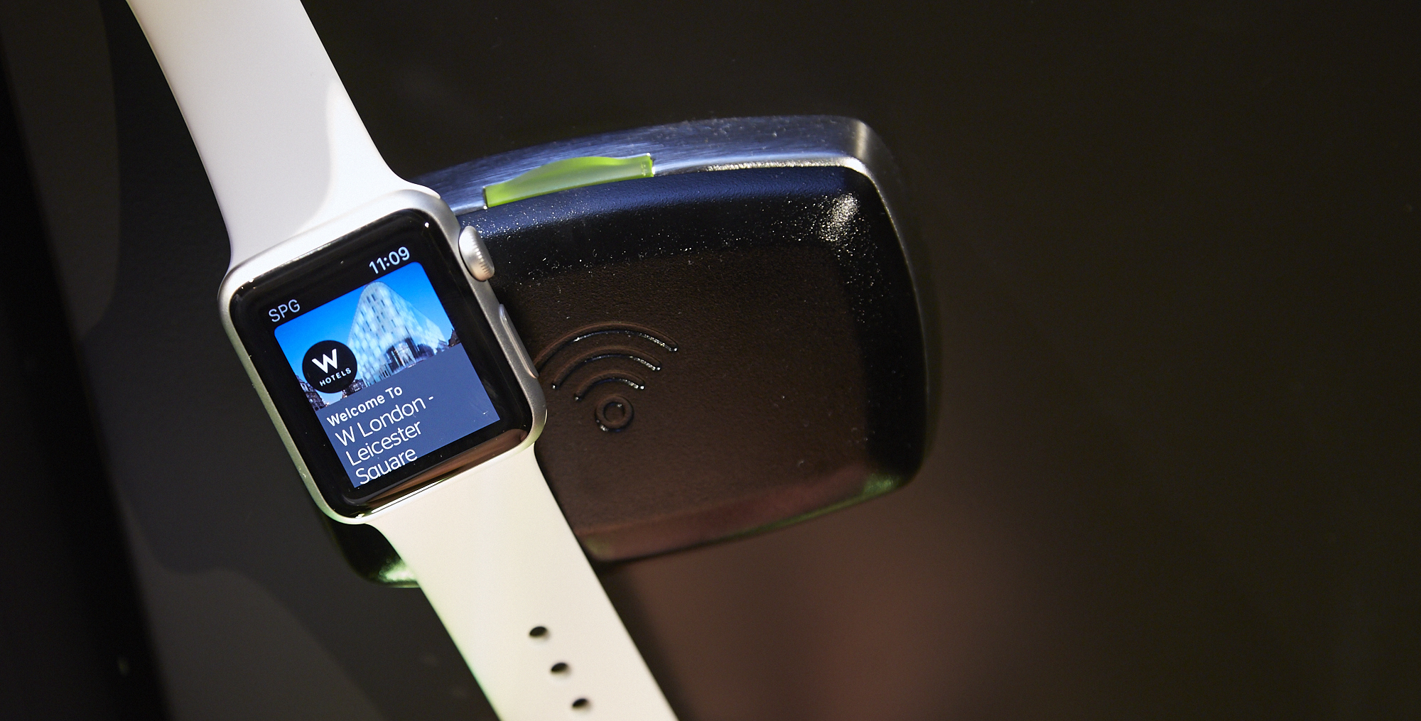 Starwood Introduces Keyless Hotel Access Through Apple Watch