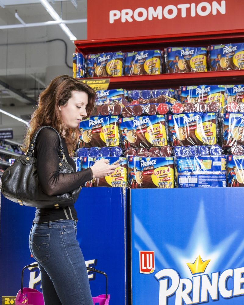 Philips and Carrefour Partner to Beam Discounts Via Light