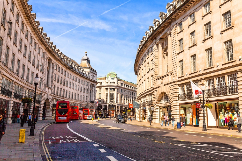 Regent Street to Introduce Beacons and App