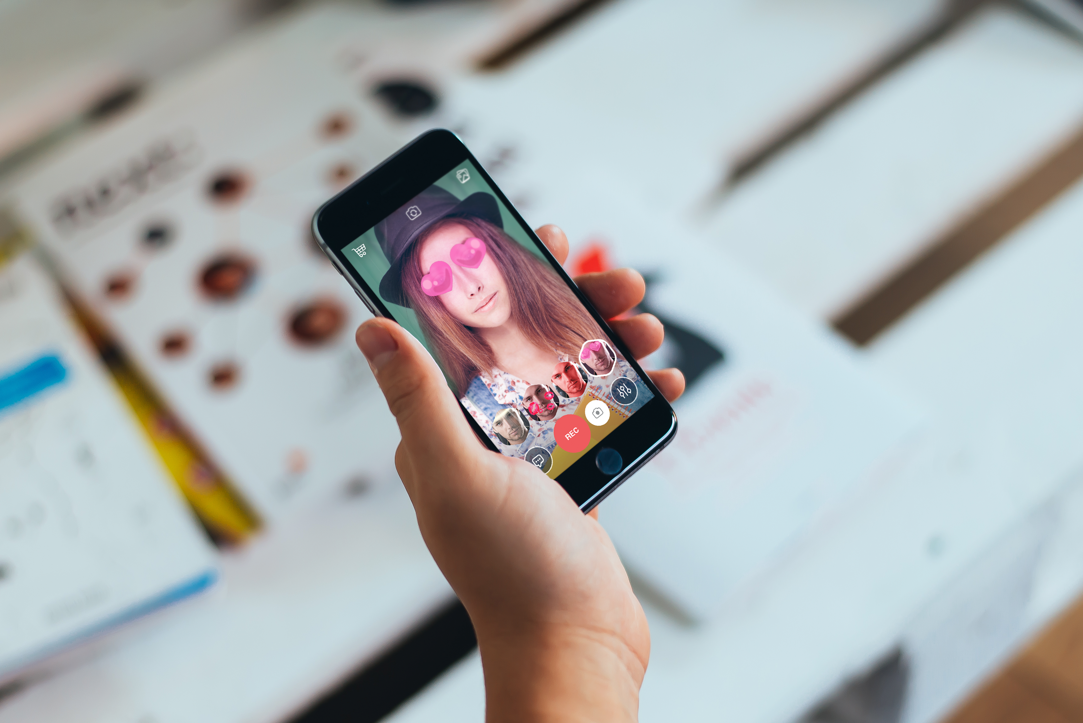 Snapchat Unlocks Unlimited Replays with First Paid Service
