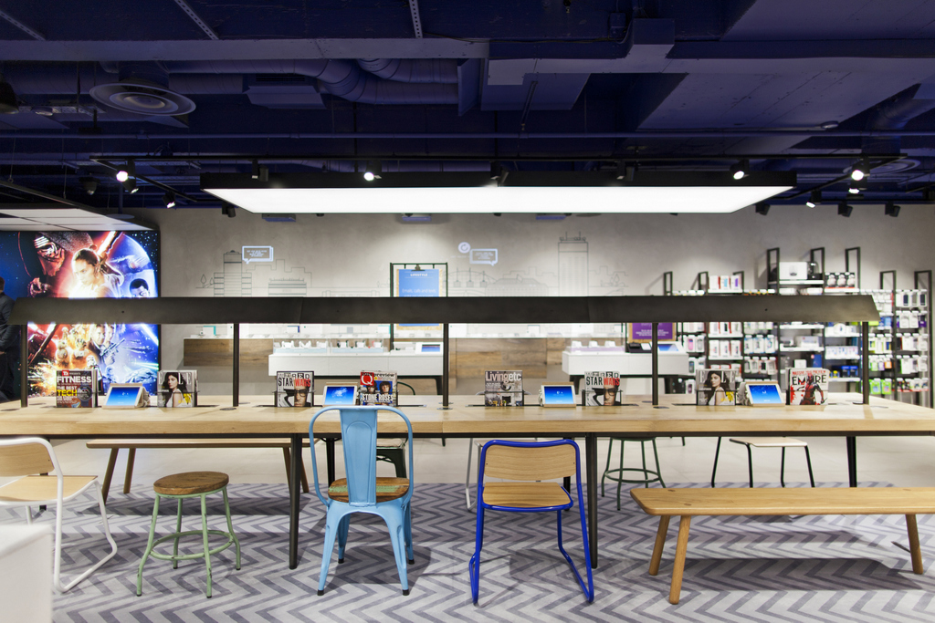 O2 Opens Manchester Concept Store