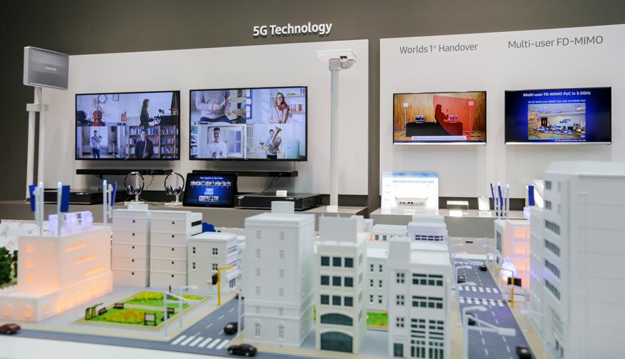Samsung and Deutsche Telekom Team Up for Robot 5G Demo