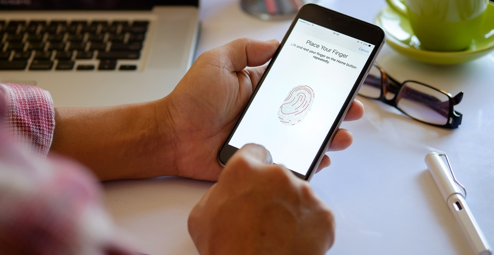 Average iPhone User Unlocks Their Device 80 Times A Day