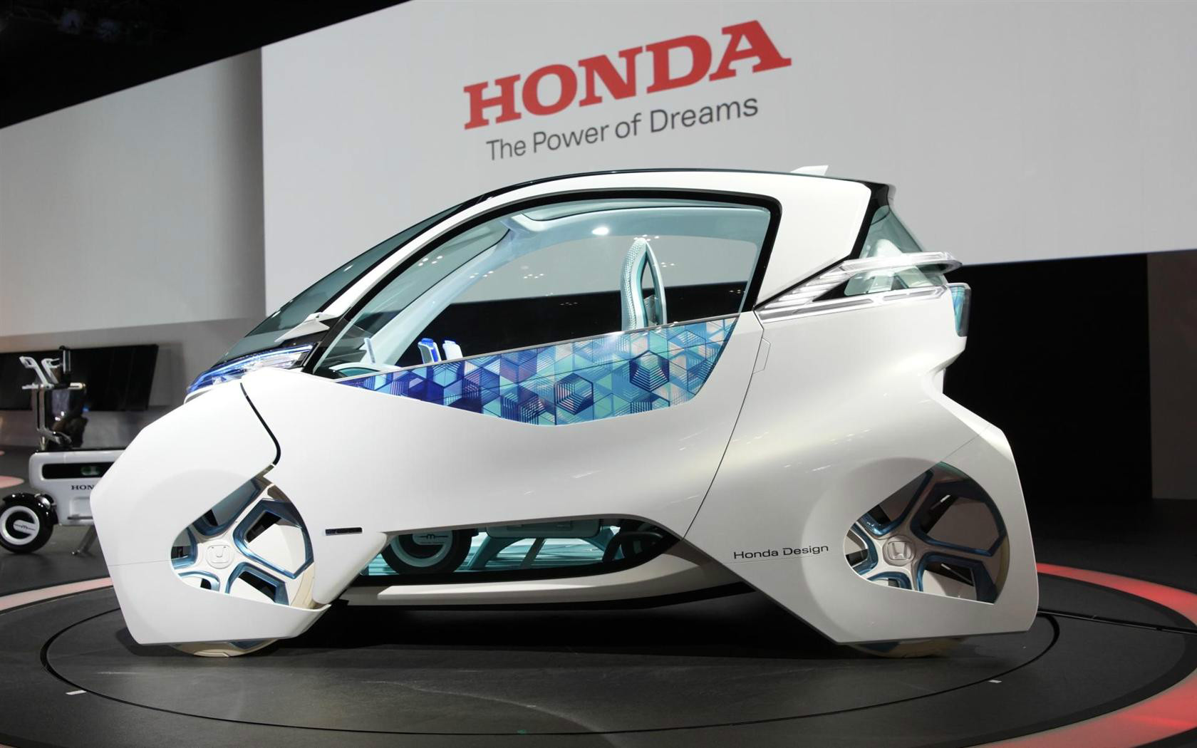 Innovation Lab: Emotional Cars, Electrical Luggage and Heart Harpoons