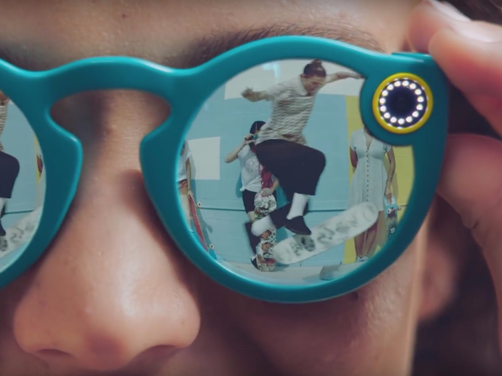 US Consumers Snap Up Spectacles
