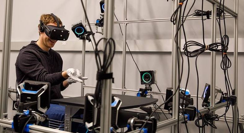 Zuckerberg gets Handy with Oculus VR Gloves