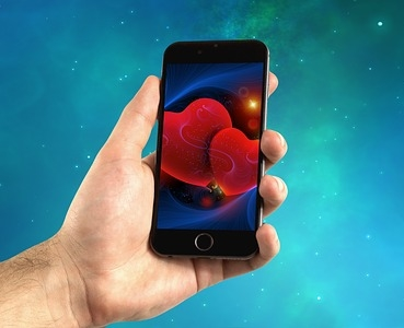 Hundreds of Thousands of Singles Flocked to Dating Apps Ahead of Valentine's Day