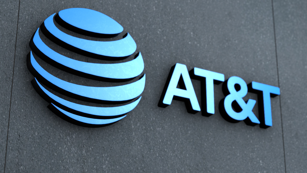 Disney, AT&T, Tech CEOs — Business Briefs