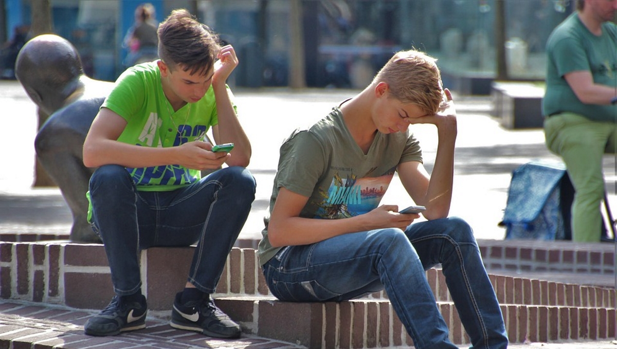 Boys on phones