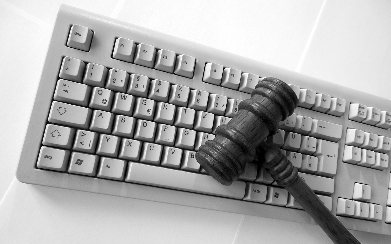Computer keyboard gavel