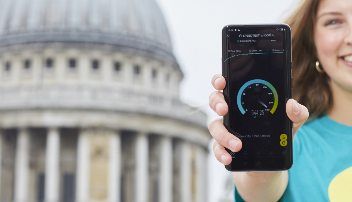 Mobile Operator EE Set UK Live Date for Commercial 5G Network