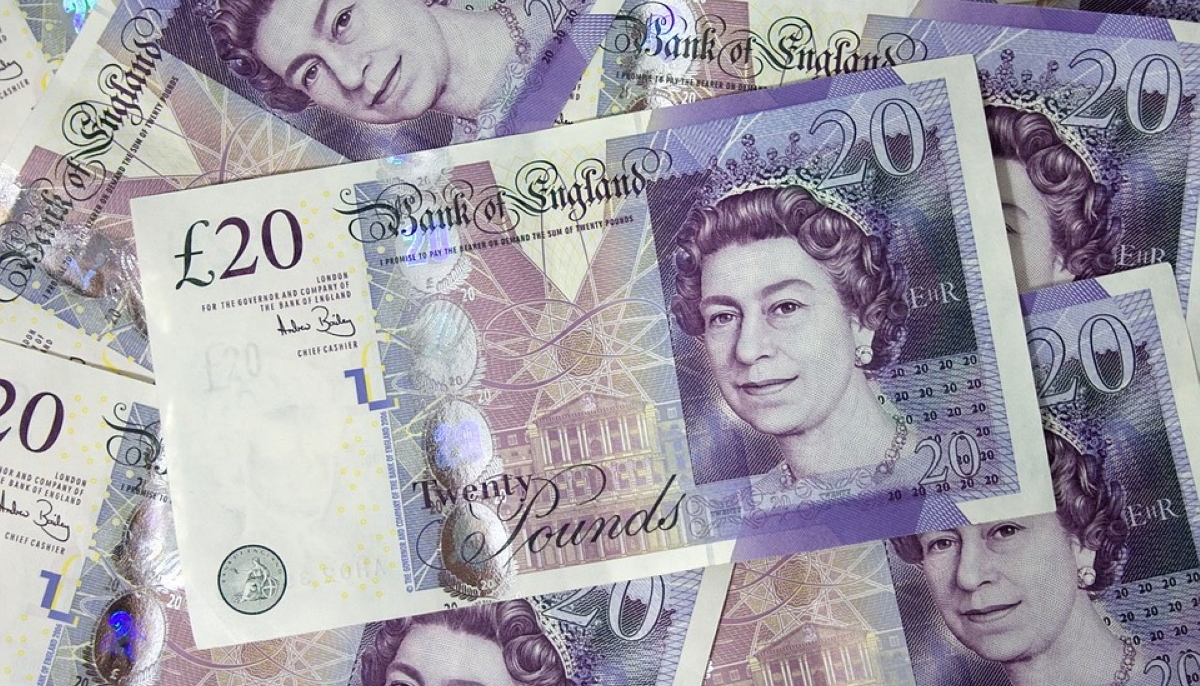 £20 notes to depict the 13 per cent growth of UK digital ad spend in the first half of 2019