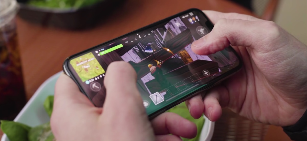 The majority of mobile gamers would ditch social media and TV to