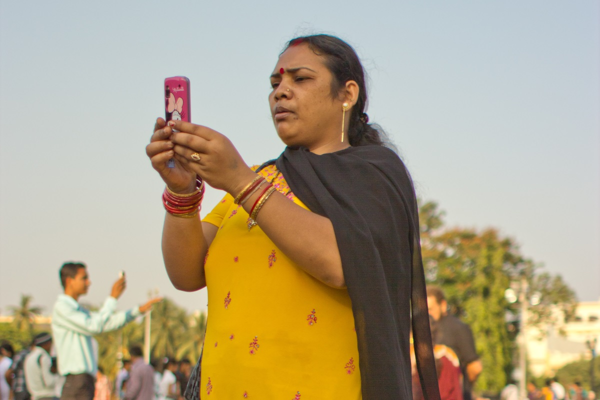India mobile woman