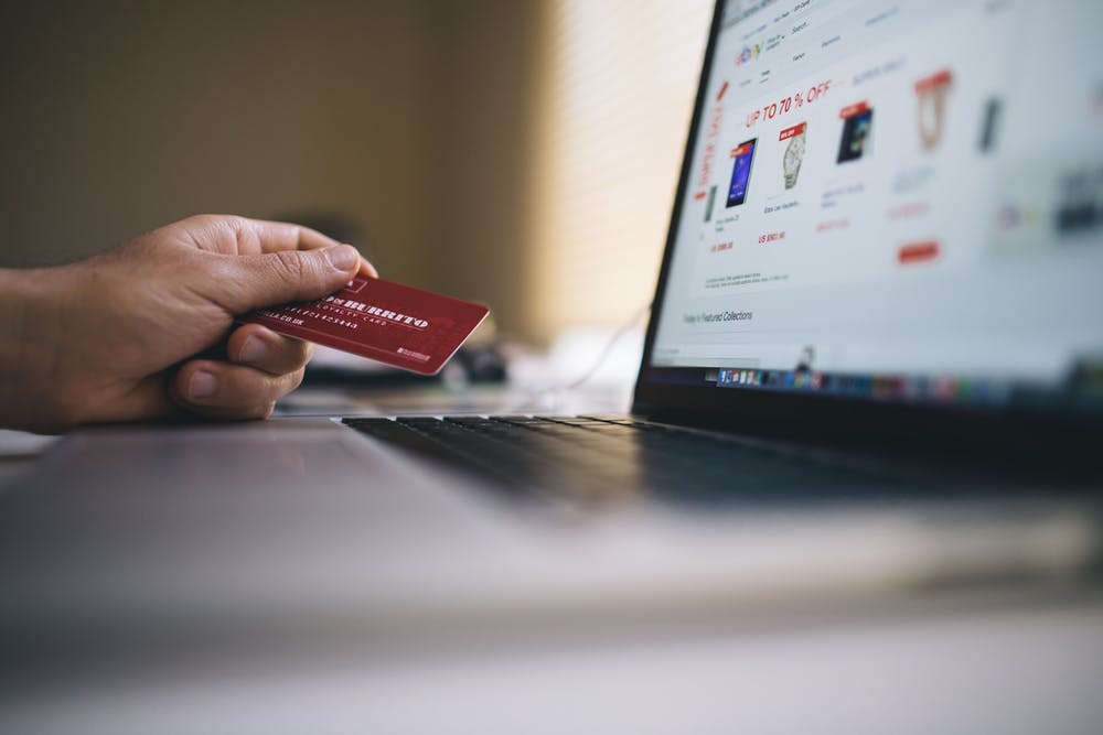 b488ae3f0186 Online fashion shoppers are now spending more money on mobile devices than  desktop