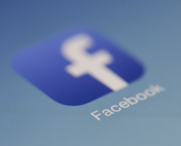 Facebook denies claims that it listens to conversations through phone's microphone
