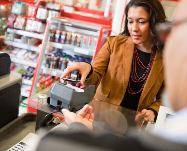 UK mobile contactless spending reached £975m in 2017
