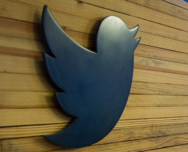 Twitter advises its 330m users to change their passwords after glitch exposed them