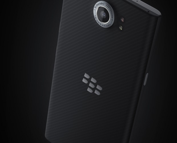 Facebook sues BlackBerry over voice-messaging technology
