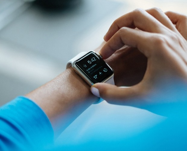 Global connected wearable sales to hit nearly 240m by 2023