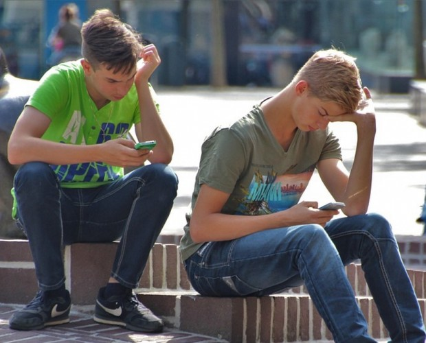 Most teens don't report harmful content online despite witnessing it regularly: report