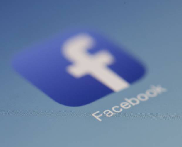Facebook to begin paying UK publishers for news stories