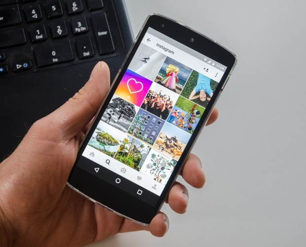Instagram now lets users upload photos through its mobile web version