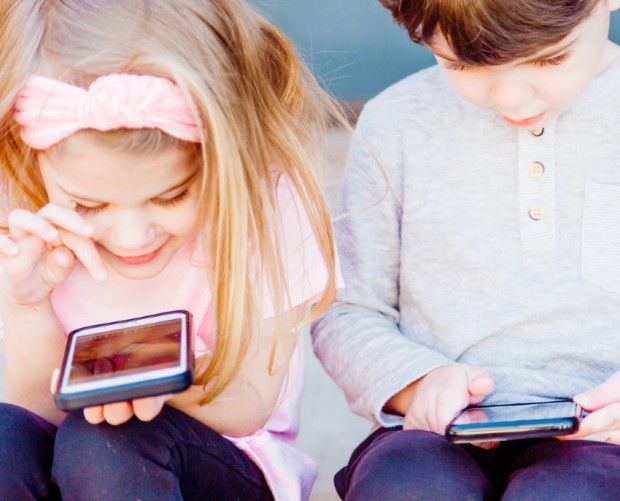 EE launches child phone safety SMS service