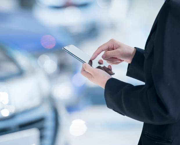 Mobiles have become an important part of the car buying journey, but consumers still prefer to buy in-person: report