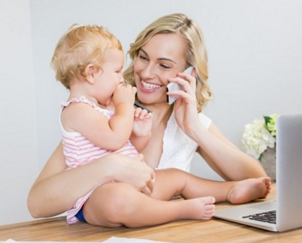 UK mothers spend more than two hours a day on social media