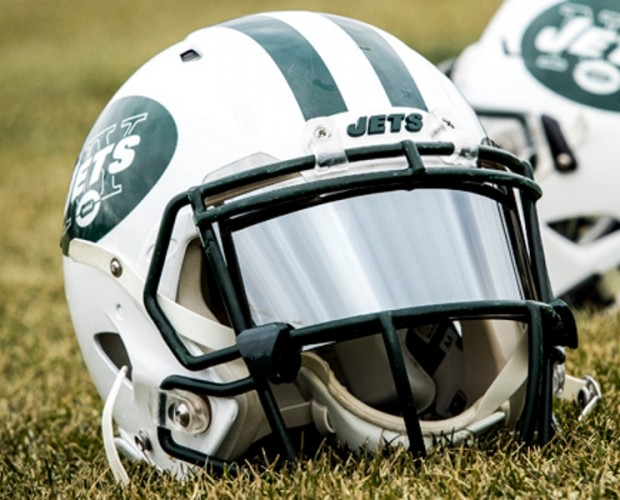 US airline JetBlue teams up with the NFL's New York Jets for all-mobile ticket option