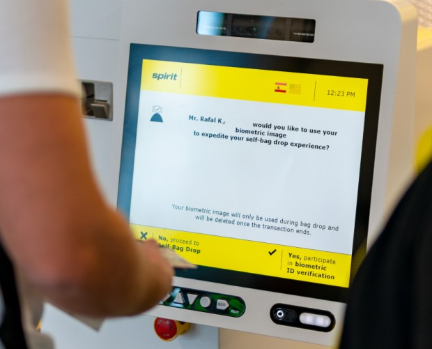Spirit Airlines begins testing agent-less check-in